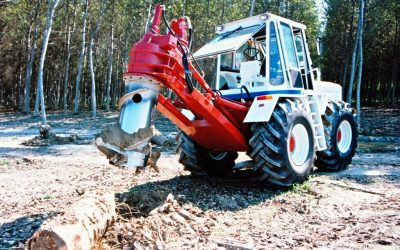 Hydraulic stump-remover to be installed on a tractor