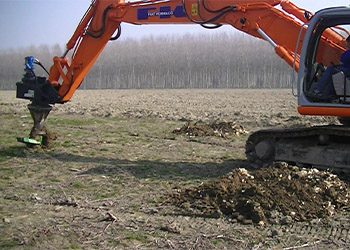 Hydraulic stump-remover to be installed on excavator
